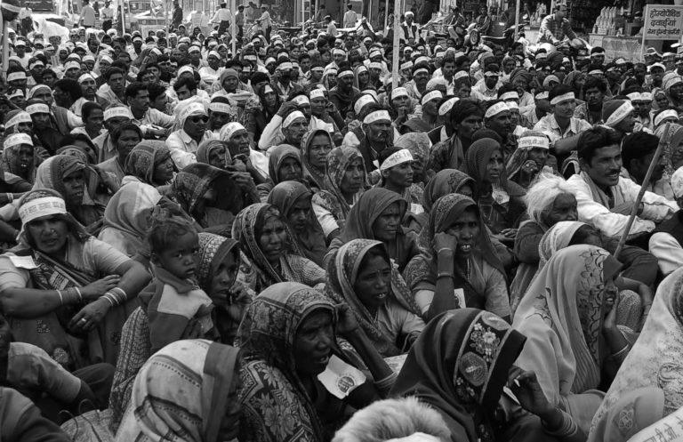 LandwirtInnen protestieren bei der Farmer's Rally in Bhopal (Ekta Parishad/Wikimedia)