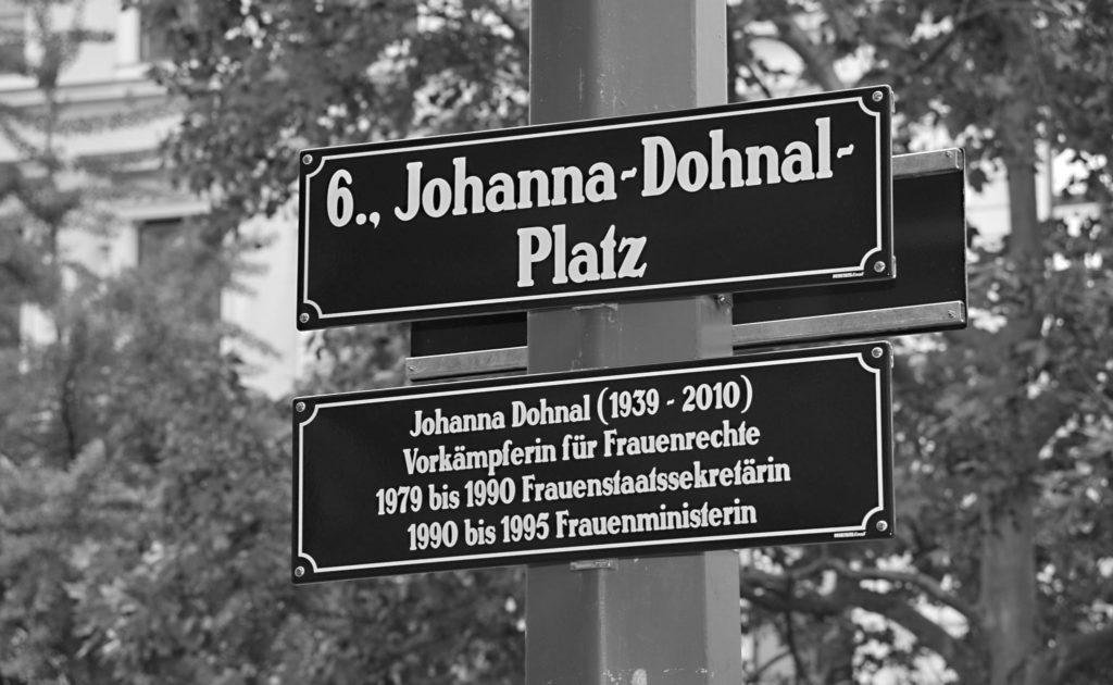 Enthüllung der Tafel für den Johanna-Dohnal-Platz; 6., Johanna-Dohnal Platz