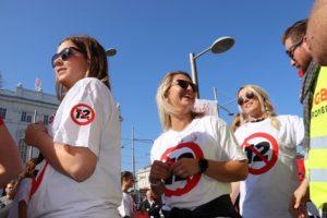 Im Juni demonstrierten in Wien rund 100.000 Menschen gegen den Zwöf-Stunden-Tag. © PRO-GE